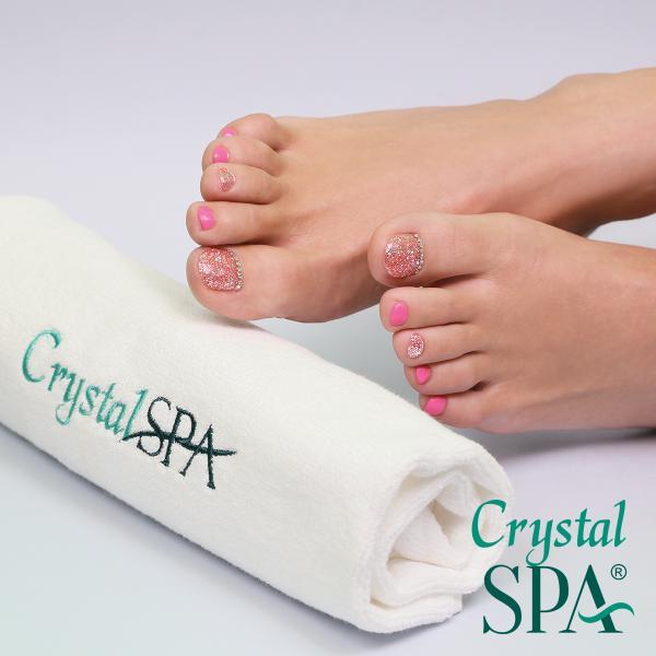Tartós 3 STEP CRYSTALAC és ONE STEP CRYSTALAC lábkörömre, fókuszban az esztétikai pedikűrrel